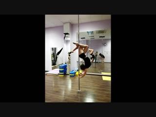 Акробатика на пилоне(Pole-dance)