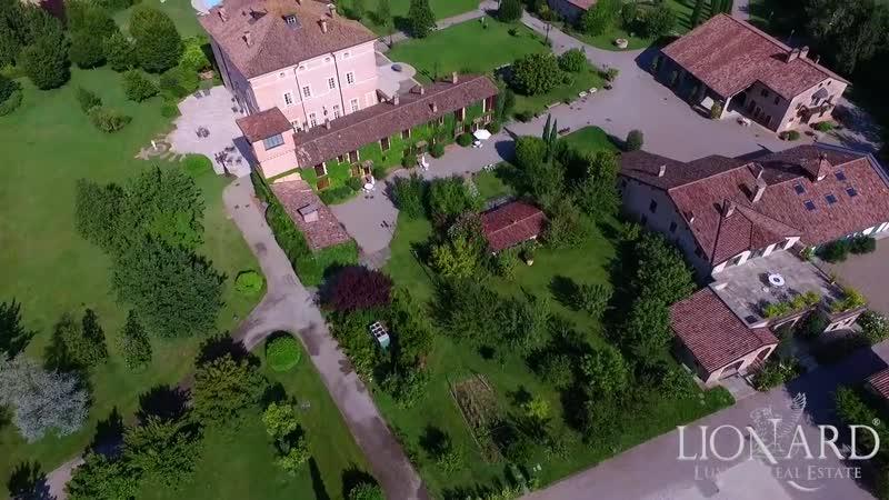 Villa water views Emilia Romagna Italy