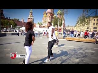 Timba con alegría de los dos amigos en Moscú, Rusia :) - Adonis Santiago y Lisandra Garcia