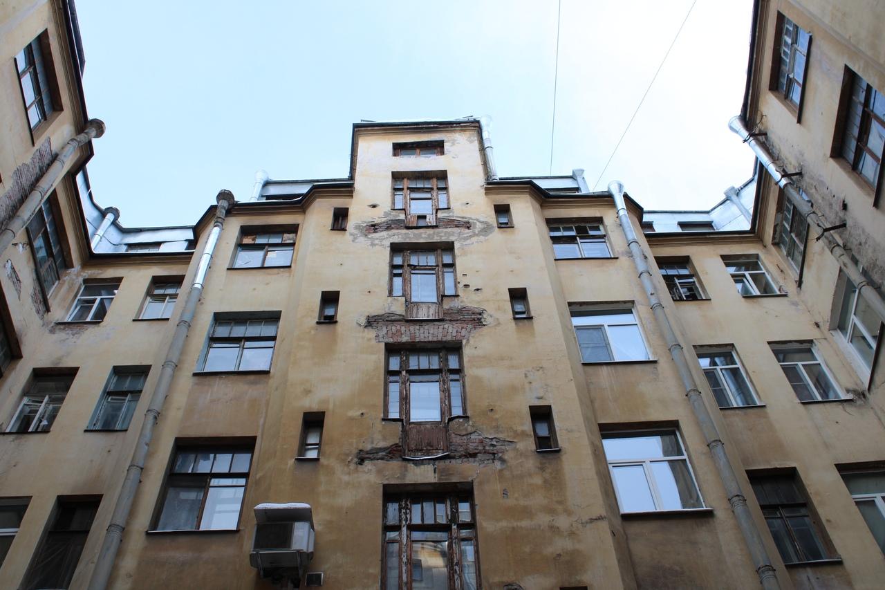 Как развал ЖКХ разрушает Петербург: дом на Некрасова