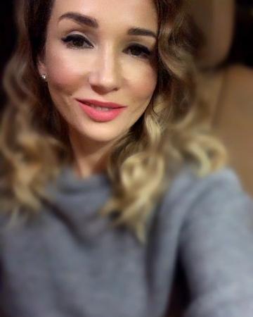 Anfisa Chekhova on Instagram *** Говорят вода камень точит Говорят много званных а избранных чуть Я как точка заблудшая в многоточии Теря