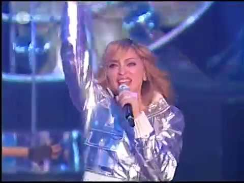 Madonna bei Wetten dass...? performing Hung Up