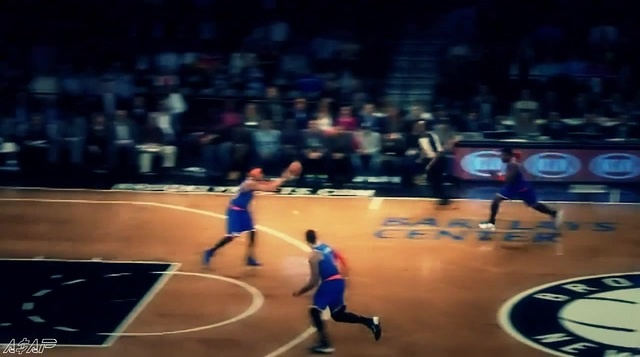 Iman Shumpert Flies to Finish the Showtime Oop Off the Glass