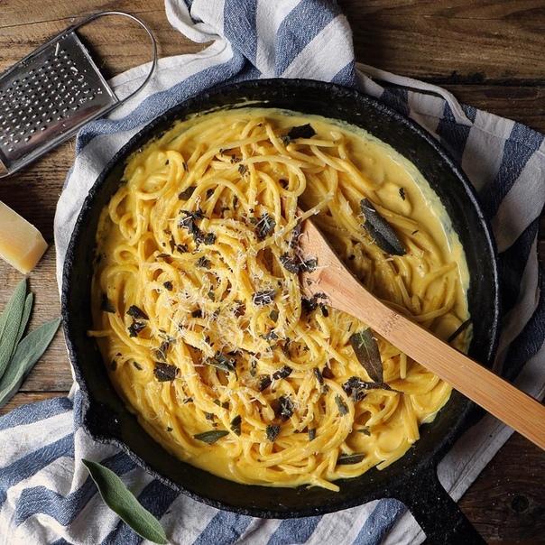 Cпaгетти с тыквeнным coусом