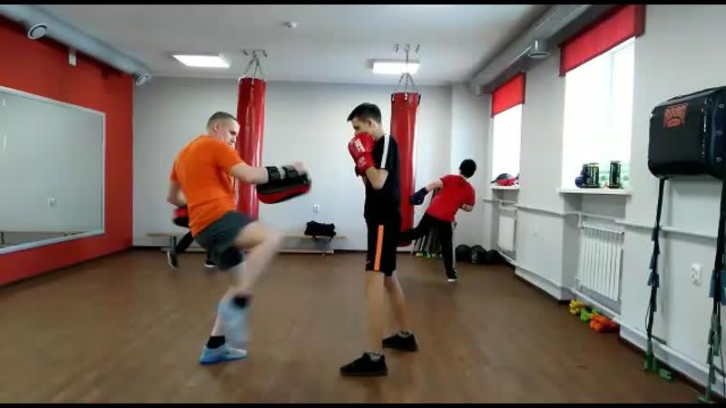 Рукопашный бой в фитнес-центре Зожников