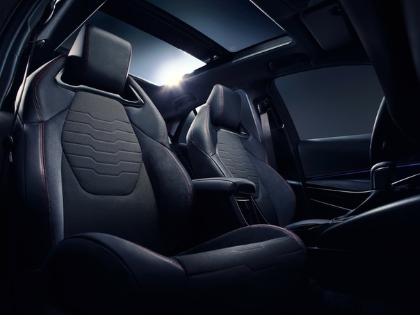 Авто обзор : Toyota Corolla Hybrid