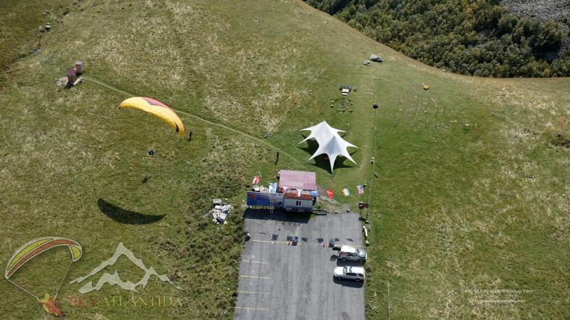 Полёт и приземление на параплане Гудаури парапланерный кемпинг SkyAtlantida gudauri paragliding полет гудаури بالمظلات، جور