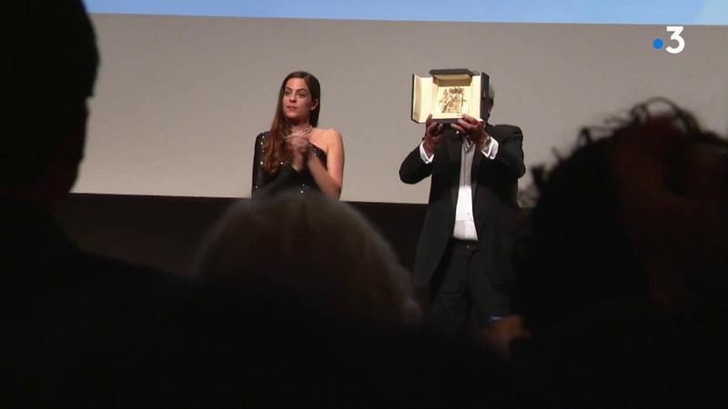 Alain Delon reçoit la Palme dor dhonneur