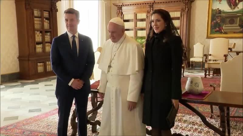 Наследная пара на аудиенции у Папы римского Франциска