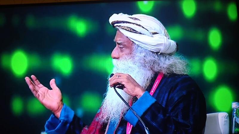 Греф спрашивает мистика и гуру, что Сбербанку ждать от будущего на Питерском Форуме ПМЭФ18