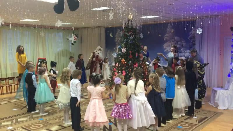 Новый год в Саду у дочки ☺️🎄🎊🎁🥰⛄️❄️😘🎉