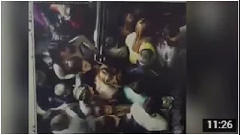 Пожар Кемерово Зимняя Вишня Давка на лестнице секунды что не попали в распространённое видео