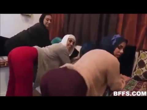 Türbanlı dans Brazzers türbanlı kızları sevişme den önce Twerk YAPTI