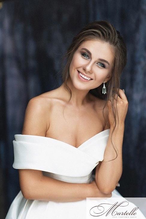 Rozhden Anusi - Galina Prystash - Bachelor Ukraine - Updates - Discussion  - Page 8 Pxu3tQsJvjQ