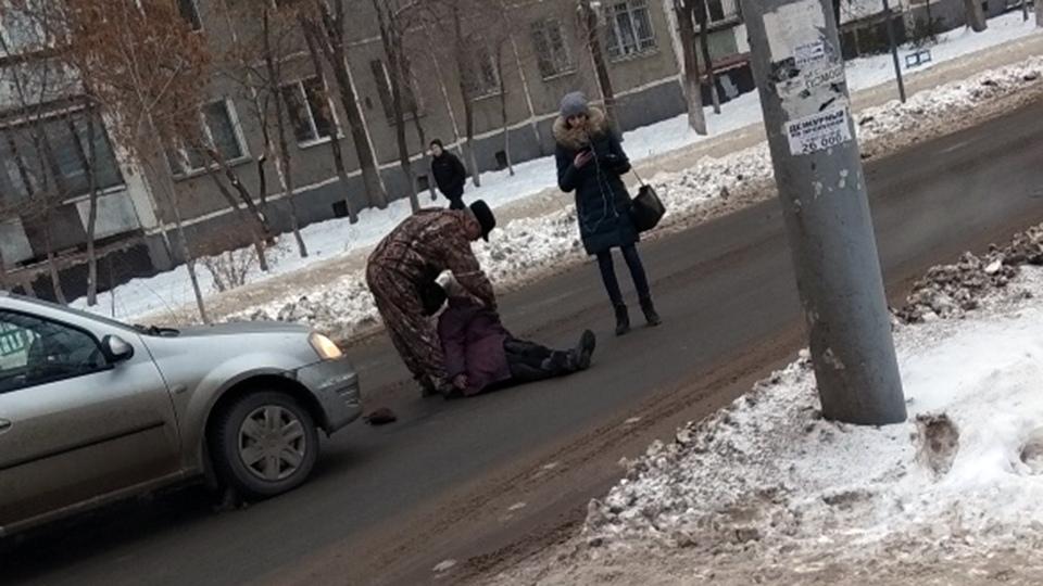 Пожилая женщина попала под колеса автомобиля в Черкесске