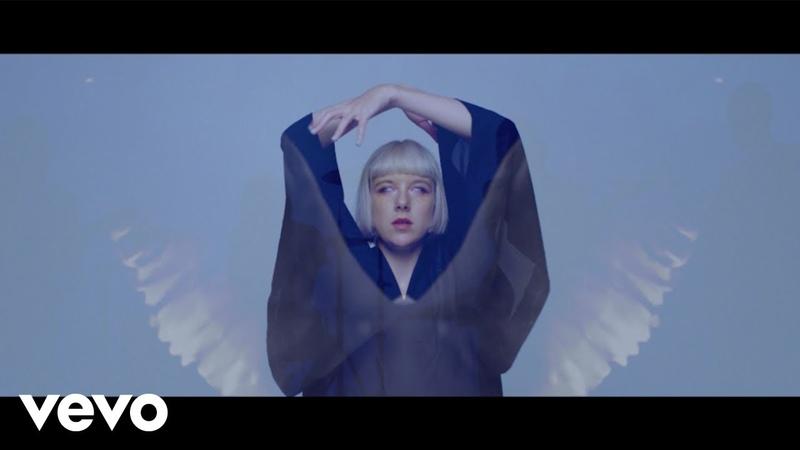 Dilly Dally - Doom (Official Music Video) » Freewka.com - Смотреть онлайн в хорощем качестве