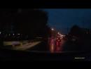 В Саратове неадекватный водитель врезался в Матиз и сбежал с места ДТП