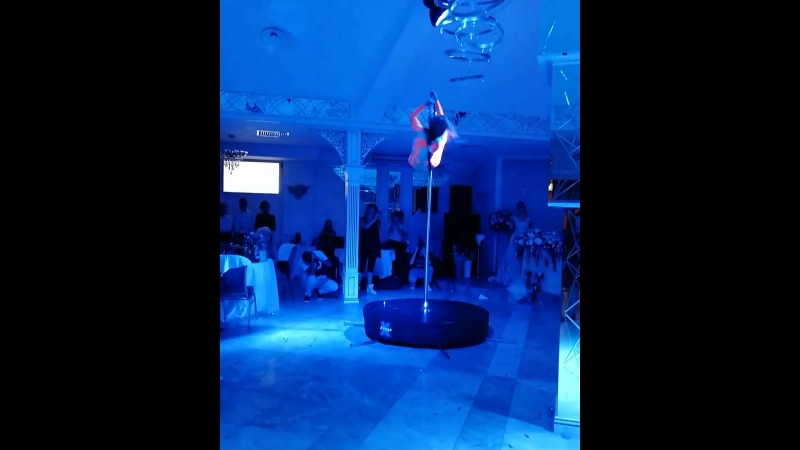 Воздушная акробатика на партерном кольце