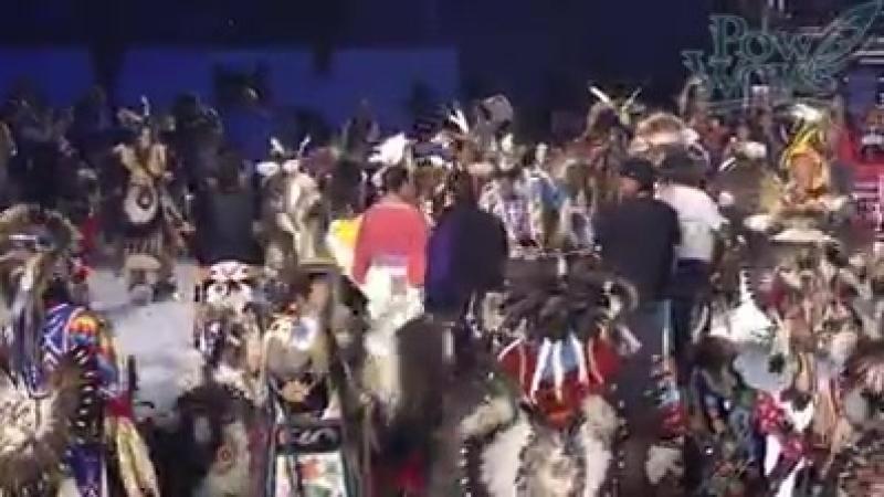 Массовый танец индейцев