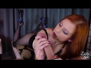 Redhead in black pantyhose suck dick blowjob
