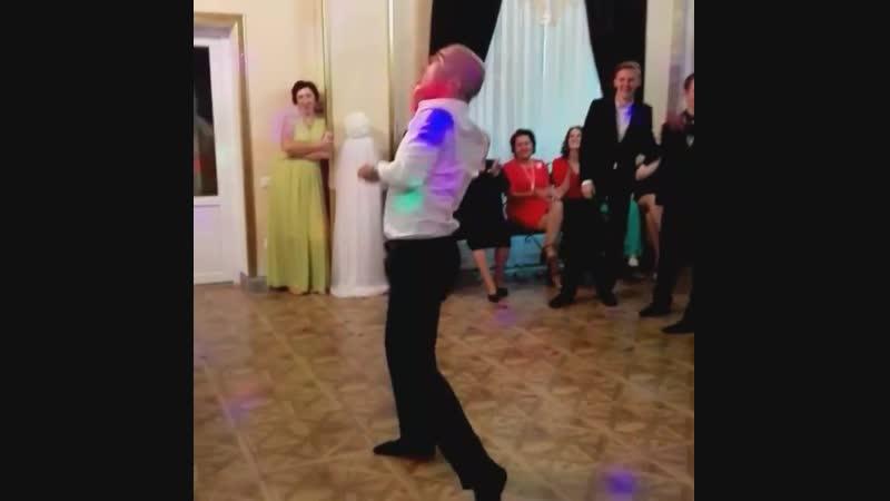 Ян Самойлик танцует 3