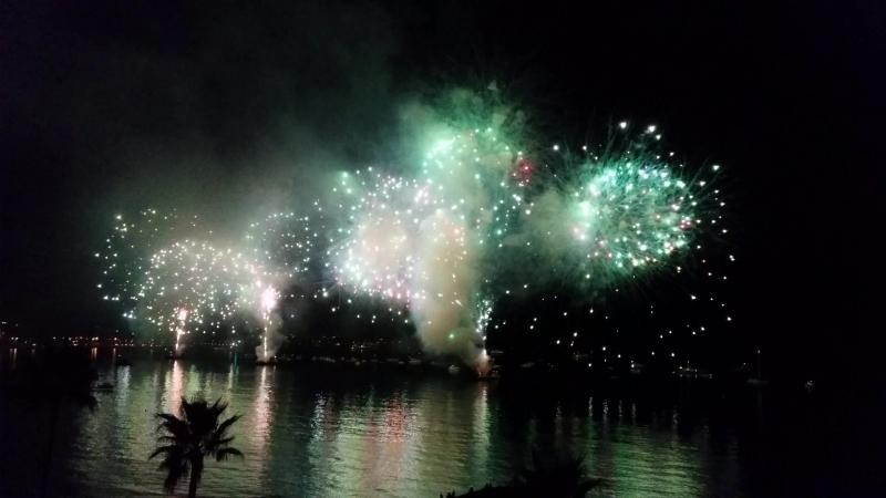 Juan-les-pins: Feu d'artifice sur la plage