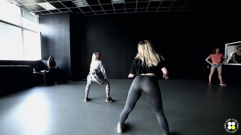 Era_Istrefi_-_BonBonJazz_Funk_choreography_by_Yana_TsibulskayaD.side_dance_studio_(MosCatalogue.net).mp4