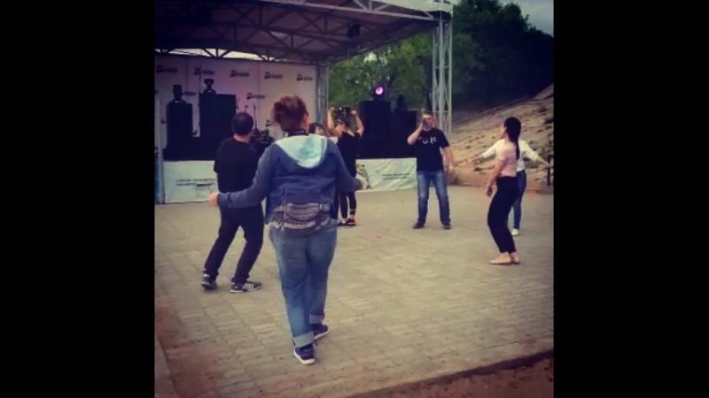 Танцы шманцы обниманцы