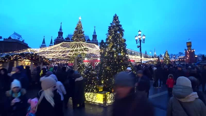 Приглашаю вас в восьмиминутное путешествие по центру Москвы. Последний день Путешествия в Рождество❄️❄️❄️☃️🎄 Поздравляю всех