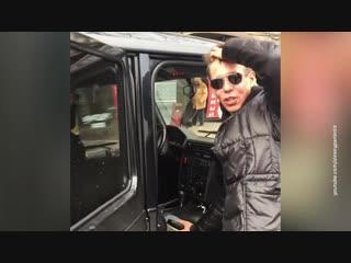 Полиция проверяет информацию о поездке Панина на авто по пешеходной зоне в Саратове.
