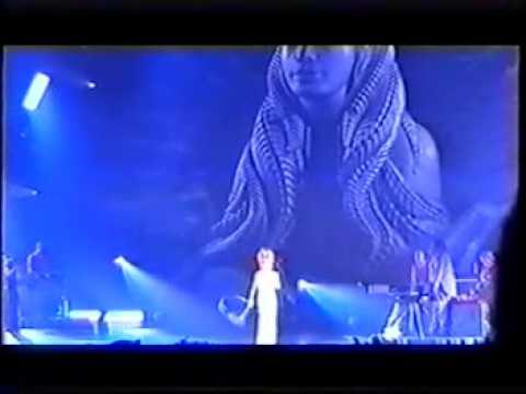 18 - Innamoramento - Mylène Farmer - Mylenium Tour 1999-12-05 01 LIVE MONTPELLIER