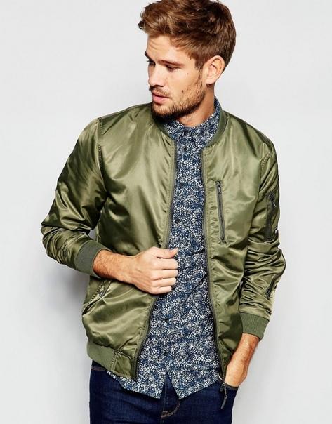 593921131961 Куртка-бомбер – классический элемент мужского гардероба. Сегодня модные  модели такой вещи представлены многими известными дизайнерами – Хельмутом  Лангом, ...