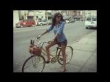 Девушки на велосипедах - Girls on bicycles