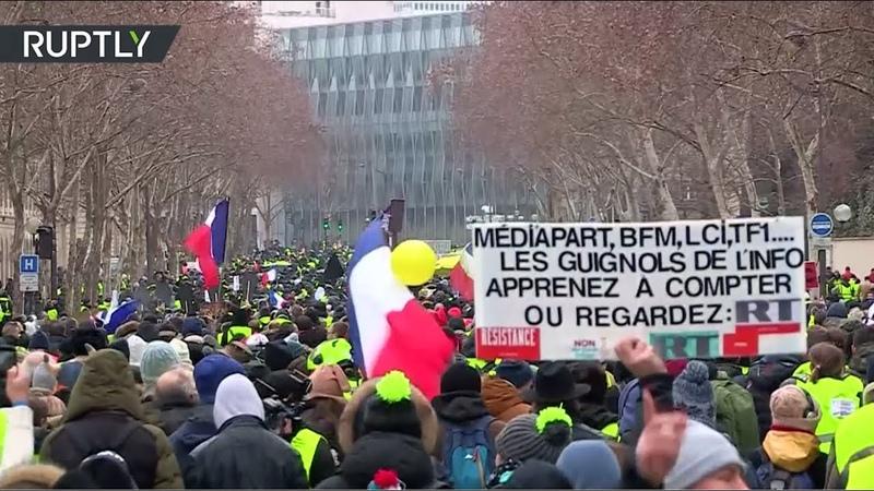 Жёлтые жилеты посоветовали французским СМИ брать пример с RT