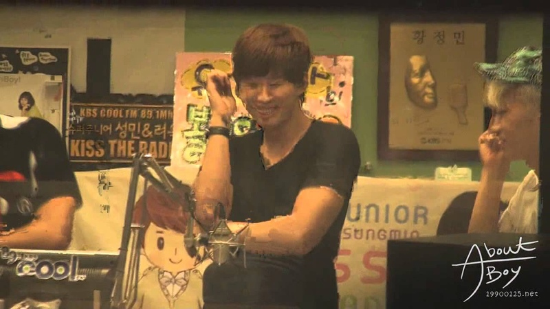 [FANCAM] 120727 JUNHO Kiss the Radio - Gangnam Style!