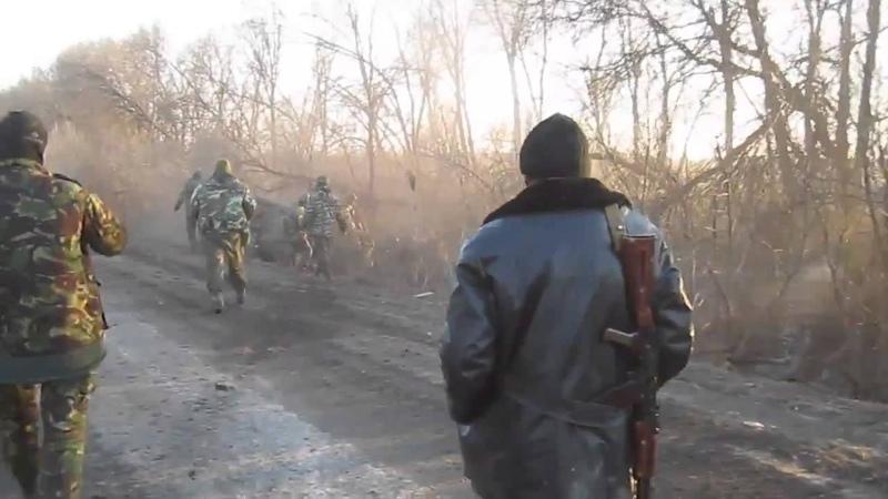 Это просто жесть, пьяные укропы на БМП улетели в кювет. Украина новости.