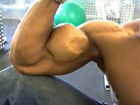 Biceps - Bodybuilder Quanne McCutchen