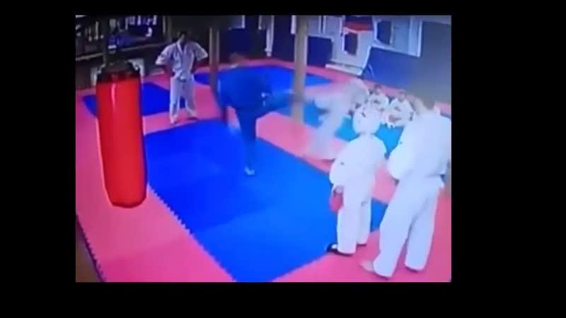 В Наро-Фоминске тренер ударил ребенка ногой