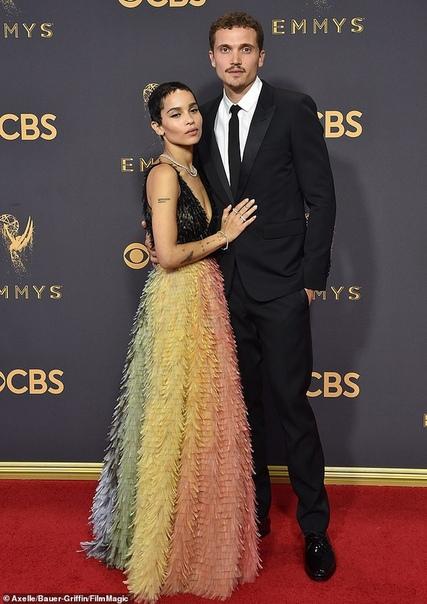 Зои Кравиц объявила о помолвке с Карлом Глусманом 29-летняя Зои Кравиц собралась замуж и, как оказалось, уже давно готовится к свадьбе. В интервью журналу Rolling Stone актриса подтвердила, что