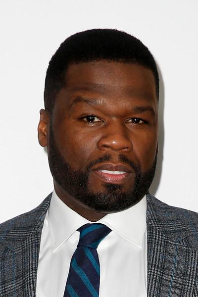 50 Cent скупил билеты на концерт конкурента, чтобы тот выступал в полупустом зале Уже больше 20 лет рэпер воюет с музыкантом Ja Rule. На этот раз испортить настроение недругу он решил, выкупив