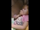 Полина читает книги перед сном