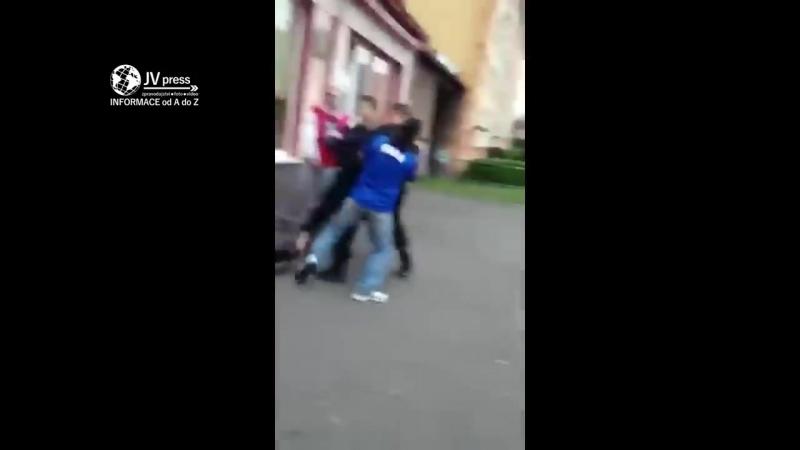 Цыгане моросят, полицейские обостряют
