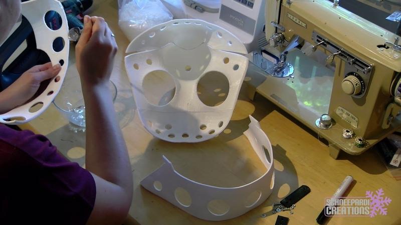 Building a toony husky fursuit head on a 3D mask 1 Glueing the mask (Reupload)