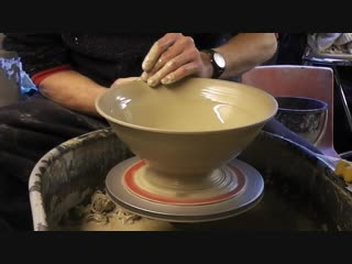 Throwing _⁄ Making a larger Pottery Salad Bowl on the wheel