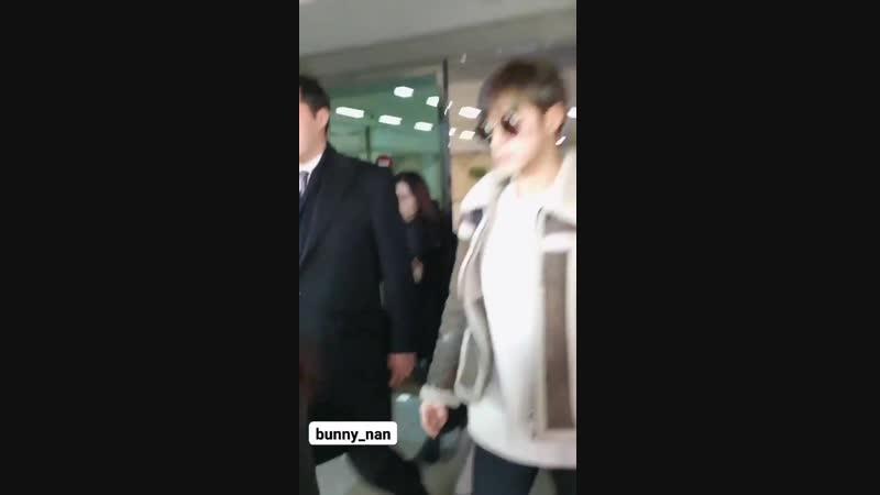 17.12.2018 - Юнхо в аэропорту Гимпо. TVXQ вернулись в Сеул