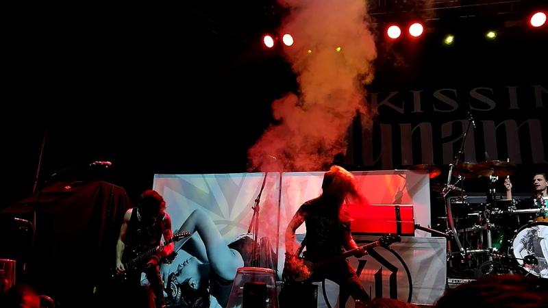 Kissin Dynamite Praha Fórum Karlín 3.11.2018