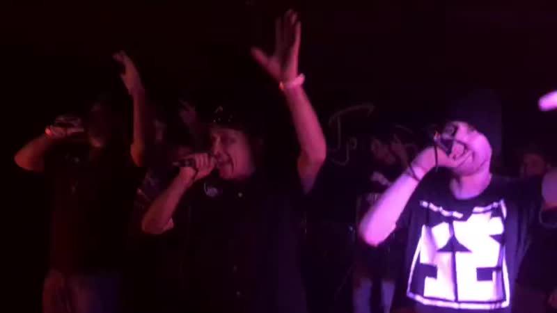 Bad Balance дали концерт в Санкт-Петербурге, где исполнили свой хит - Городская тоска. (10 ноября 2018 г.) (видео)