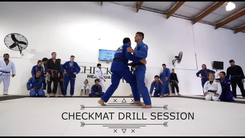 Сессия Дриллов в штаб-квартире CHECKMAT Drilling At CheckMat
