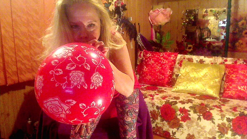 If I sit on the balloon u think it will pop ?