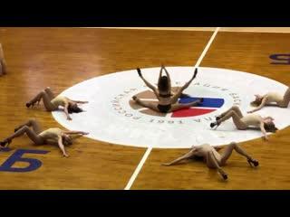 «Горячие» танцы чирлидерш в финале баскетбольной Суперлиги